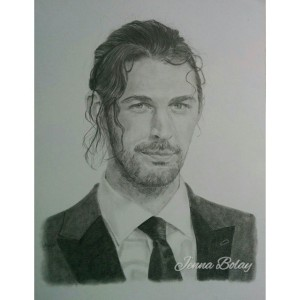 So...I kinda HAD to draw this one of #hozier from the grammys. He says he doesn't like all the red carpetness but...he does it so well, yes? Oh and I am a featured artist over at this hozier fanart blog go check it out! I've never been a featured anything! https://celebratingfanarthozier.com/2015/02/11/jenna-bolay/